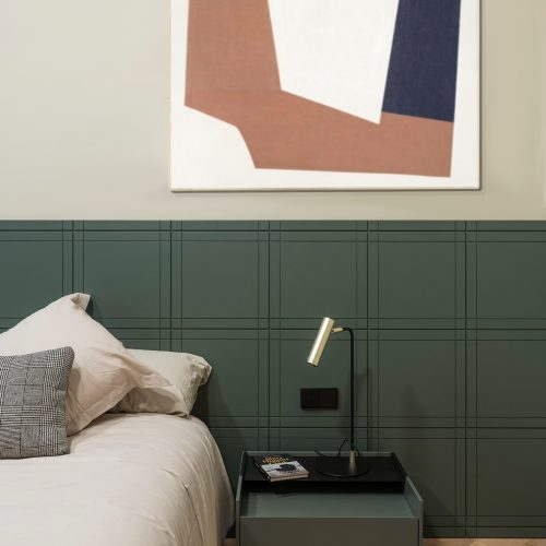 Bedroom with green headboard by Recdi8